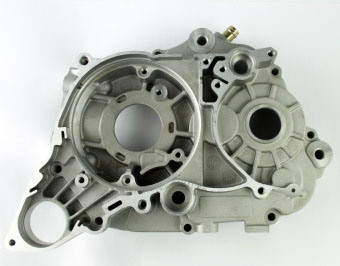 Картер двигателя левый ZS1P62YML-2 (W190)